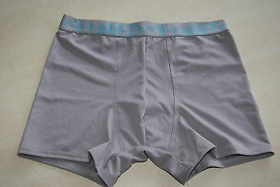 Boxer gris neuf taille L marque STARED