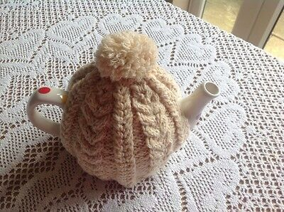 HAND KNITTED CABLE TEA COSY - Vintage style