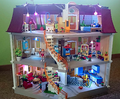 playmobil 5302 sch nes puppenhaus mit toller einrichtung eur 161 00 picclick de. Black Bedroom Furniture Sets. Home Design Ideas