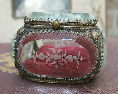 Beautiful antique Victorian etched glass trinket jewellery box
