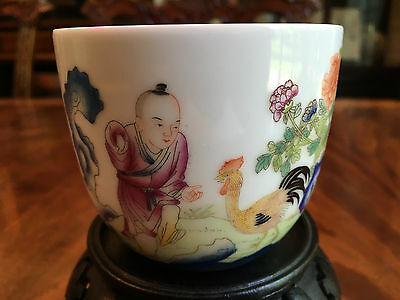 A Fine and Rare Chinese 20th C Famille Rose Porcelain Cup, Marked.
