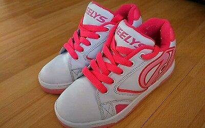 Heelys girls size 2 excellent condition
