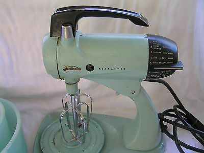 Vintage Sunbeam TURQUOISE Mixmaster  WORKS!! Mixer Only