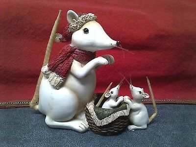 MOUSE MOMMA WITH HER BABiES Christmas wintertime 5.5 inch resin figure