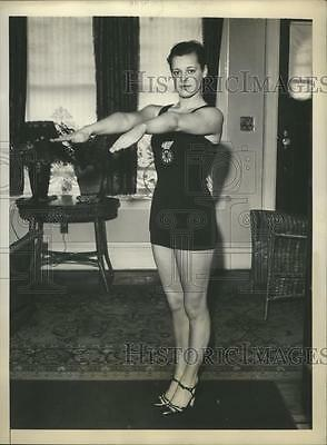1931 Press Photo Eleanor Holm Swimming Champion in Bathing suit  - sbs08138