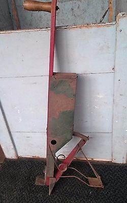ANTIQUE CORN/SEED  ACME LINE CO. PLANTER GR & RED Primitive Farm Yard Decor