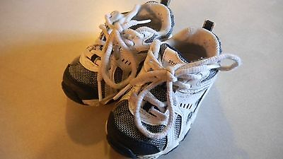 baby boy toddler tennis shoes. STRIDE RITE.5M.white navy. leather. laces.
