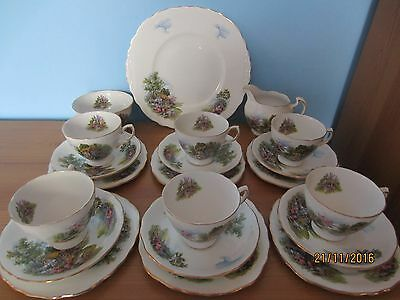 Vintage Royal Vale 21 piece teaset - Cottage design