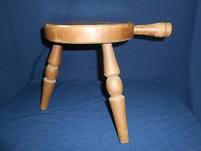 VINTAGE 3 Legged Wooden MILKING STOOL w/WOODEN HANDLE Authentic Furniture co.