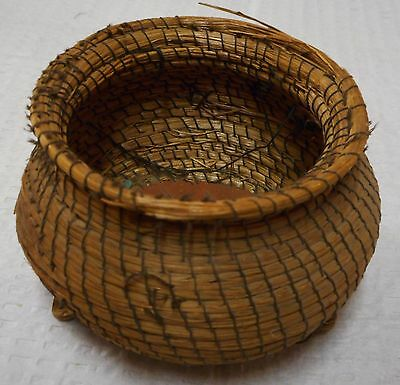 antique INDIAN BASKET NATIVE AMERICAN~COILED Sweet grass THREAD SEWN~BIRCH BARK
