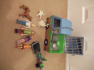 Scooby Doo Bundle Ghost Chasers Mystery Machine Figures