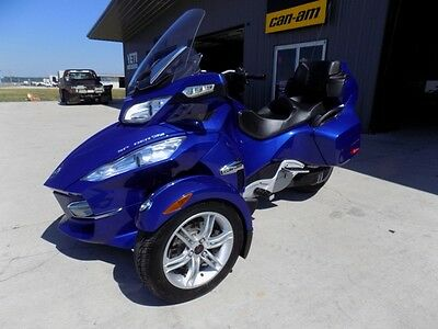 2012 Can-Am SPYDER  2012 Can Am Spyder RT-S SE5 Cruiser Tour Electric Shift Trike Motorcycle Roaster