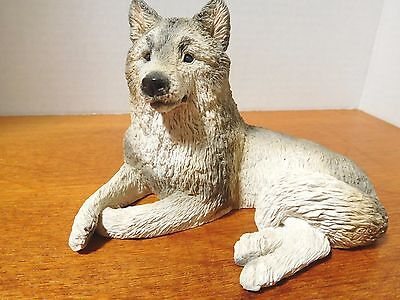 STONE CRITTER ~ GRAY WOLF WATCH FIGURINE ~ Made in the U.S.A.