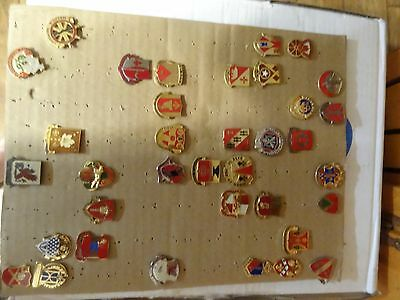 Military Crest Insignia Di Dui Lot Set Of 36  Different Us Army Different Kinds