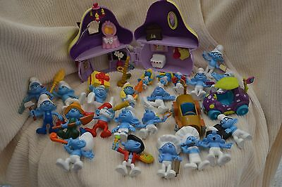Smurf House with Smurfs and two cars