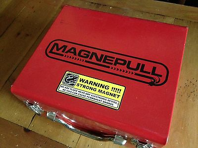 Magnepull Wire Pulling / Wall-Fish Tool in Metal Case Magne Pull