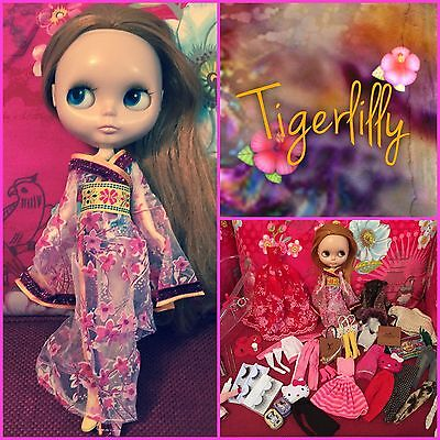 OOAK Custom Blythe + More Than 45 Items And Blythe Carry Case
