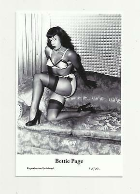 (N74) Glamour Bettie Page Swiftsure (333/253) Photo Postcard Film Star Pin Up