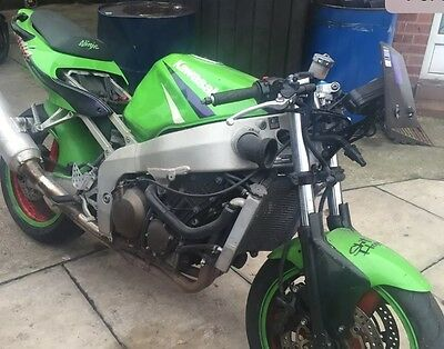 Kawasaki Zx6r Ninja G 2000 V Frame & Logbook Project Track Bike Salvage Breaking