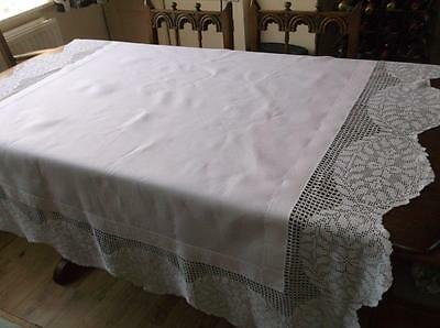~Vintage TABLECLOTH~ White with Pretty Crochet Lace Trim~