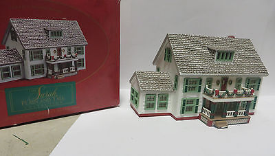 HO Toy Train Display House - Sarah's Maine Home with Box -1994 - Excellent