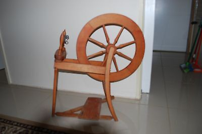 Traditional Spinning Wheel Natural (Not Laquered)