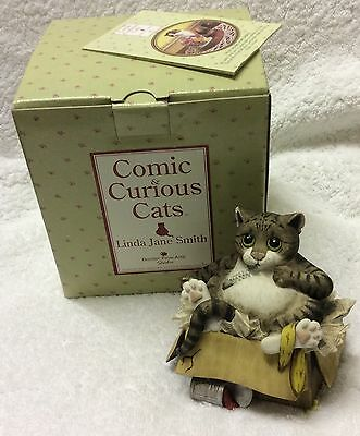 """Comic &'Curious Cats """"Alley Cat"""" Figurine"""