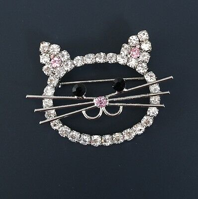 Adorable Crystal Cat Face Brooch In Silver Tone Metal With Crystals.