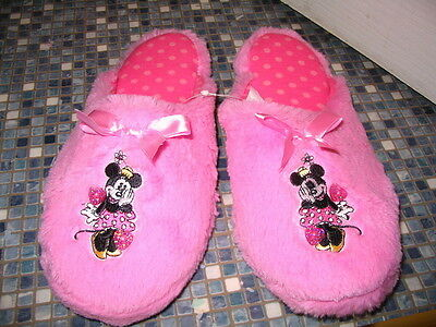 Disney Store Minnie Mouse Ladies Pink Fluffy Slippers Size 7/8 Brand New!! Rare
