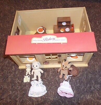 sylvanian families bakery. 1980s.  with figures & accessories.  vintage.