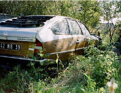 ..POSTCARD - *Citroen CX saloon - sleeping beauty*