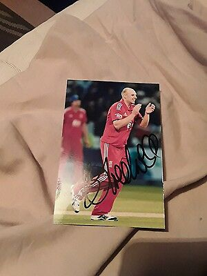Cricketer James Treadwells Hand Signed Autograph