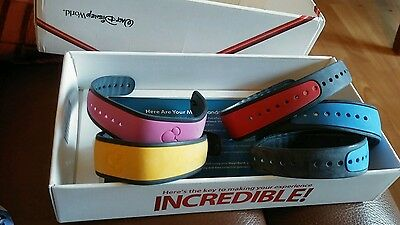 disney magic bands x 5 in incredibles box collectible only or  infinity