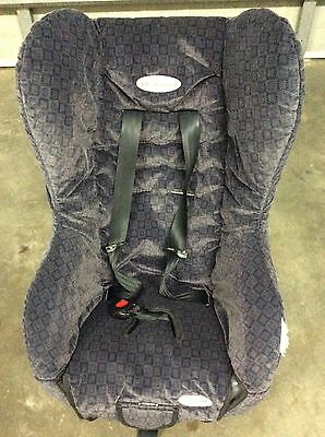 Safe and sound compact delux child car seat