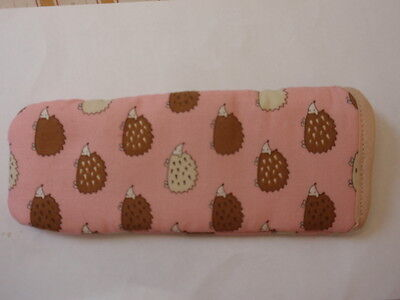 BN-small  HEDGEHOGS ALL OVER PINK   GLASSES CASE- COTTON