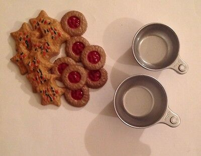 American Girl Kit's Holiday Baking Set ~Pieces~Holiday Cookies~Measuring Cups