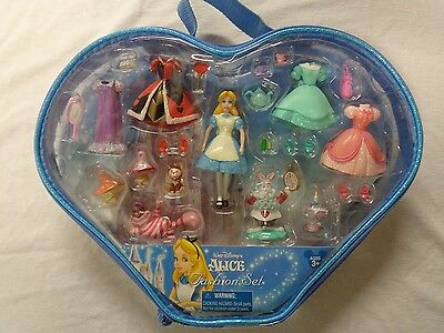 Alice In Wonderland Fashion Play Set Disney Parks Exclusive Polly Pocket NIP NOS