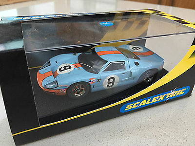 scalextric FORD GT40 1968  Gulf colours - new in box
