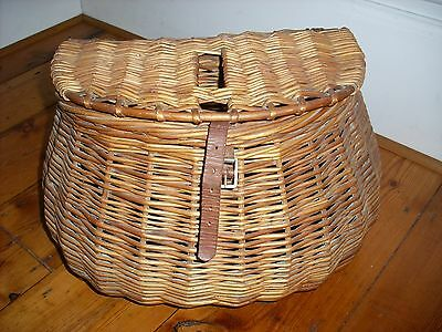 Fishing Creel Wicker Cane Vintage  in very good condition