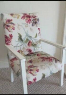 �� Lovely Laura Ashley Shabby Chic Child's Chair ��