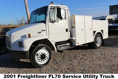 2001 Freightliner FL70 Service Utility Truck diesel boss pto air compressor Used