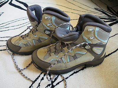 Columbia Walking Boots - Usa 9 Uk 7.5 - Only Worn Once - Brown/tan