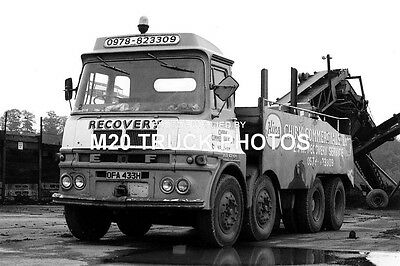 M20 Truck Photos - ERF - Chirk Commercials Recovery.