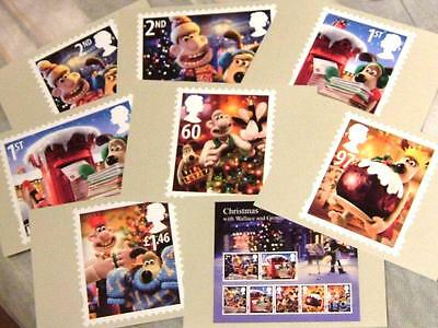 Eight (8) Wallace and Gromit postcards of Royal Mail 2010 Christmas stamps
