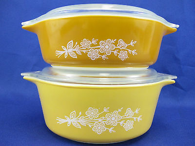 Pyrex 471-B 472-B Casserole Dishes Butterfly Gold with Lids