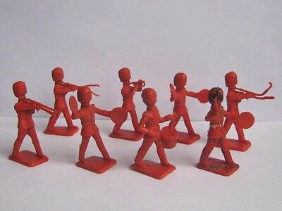 8 x KELLOGGS / CRESCENT 1958 BRITISH GUARDS BANDSMEN PLASTIC SOLDIERS to clear