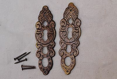 2 ANTIQUE STYLE BRASS LOCK SURROUND ESCUTCHEON 79mm TALL + FITTINGS