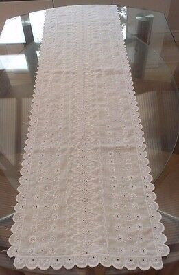 Stunning Vintage White Cotton & Embroidered Lace Table Runner