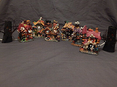 8 Piece Haunted Village 2 Trees and 6 Lighted Haunted Houses Boo!! Boo!! NEW