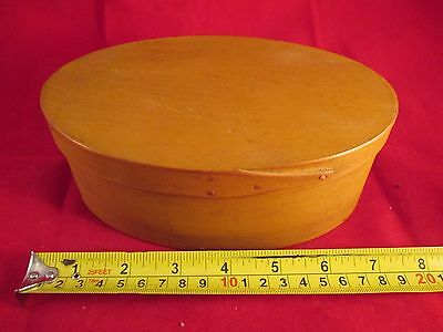 """Vintage 7"""" Oval Shaker 2 Finger Pantry Box With Lid"""